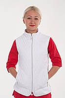 Женская жилетка белого цвета
