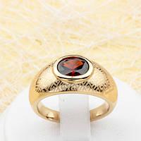 002-1817 - Кольцо с бордовым фианитом и тиснением Versace позолота, 18.5 р.