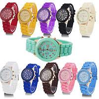 Женские наручные силиконовые часы Geneva