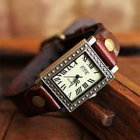 Часы женские наручные винтажные Brooklyn red