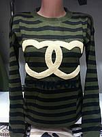 Женский свитер в полоску с длинным рукавом
