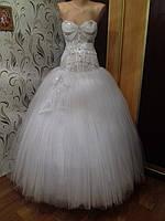 Красивенькое пышное свадебное платье