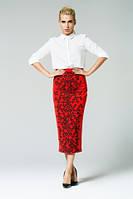 Длинная облегающая юбка красного цвета