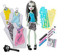 Набор Монстер хай модный бутик Френки Штейн Monster High Designer Booo-tique Frankie Stein Doll & Fashions