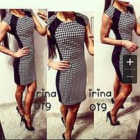 """Короткое трикотажное платье с принтом """"Гусиные лапки"""" и однотонными вставками"""
