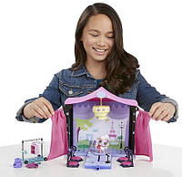 Littlest Pet Shop Игровой набор Подиум для показа мод от Hasbro