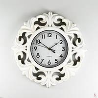 Интересные настенные часы (41см) цвет белый