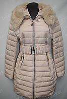 Зимнее женское пальто на замке с капюшоном бежевое