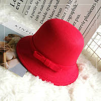 Шляпа женская фетровая котелок с бантиком и полями красная