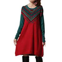 Платье с геометрическим орнаментом