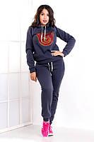 Женский зимний спортивный костюм с аппликацией из страз