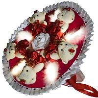 Светящийся букет из мягких игрушек Мишки красно белый