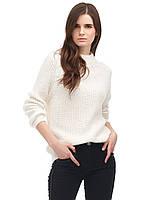 Вязаный свитер с воротом белый