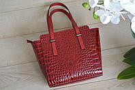 Лаковая кожаная сумка из Италии