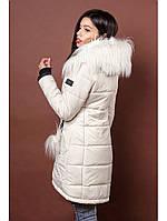 Стильная женская зимняя куртка молочного цвета