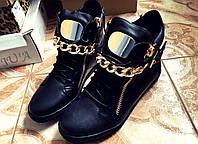 Модные ботинки с цепями на низком ходу в наличии