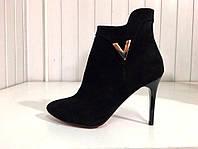 Ботинки демисезонные женские черные на каблуке копия валентино