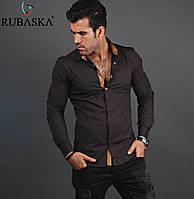 Модная мужская рубашка коньячного цвета