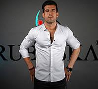 Ежедневная мужская рубашка белого цвета