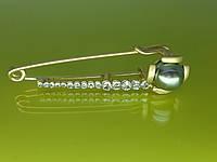 Брошь - булавка Бр18 с матовым золотистым покрытием, жемчужной бусиной и стразами.