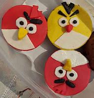 """Капкейки домашние """"Angry birds"""" с яблоком украшением кондитерской мастикой"""