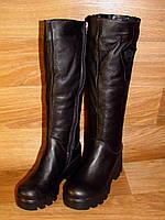 Зимние черные кожаные сапоги на толстой подошве