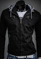 Демисезонная черная куртка с капюшоном