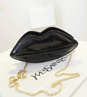 Черная сумка-губы из качественной искусственной кожи EV215