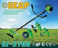 Мотокоса Кедр БГ-3700 (1 катушка + 3 ножа)