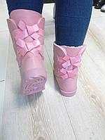 Стильные зимние женские угги с бантиками, розовые