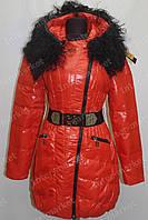Зимняя куртка женская на замке с капюшоном красная