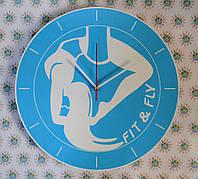 Оригинальные настенные часы для фитнес клуба