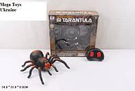 Большой паук тарантул на радиоуправлении