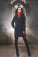 Лаконичное теплое женское пальто прямого силуэта с отложным воротником ткань шерсть