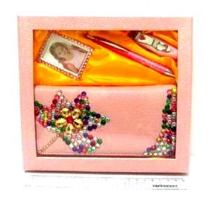 """Набор подарочный """"Splendid"""" ручка и фото-рамка, кошелёк, маникюрные щипцы"""