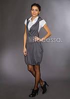 Платье с капюшоном светло-серое
