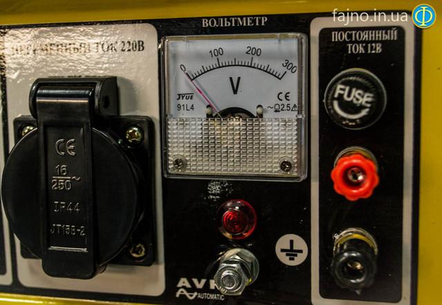 Бензиновый генератор Кентавр КБГ 258Э фото 5