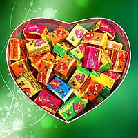 """Подарочный набор """"Love is..."""" ассорти на 100 жвачек №18"""