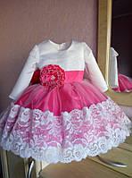 Нарядное нежное платье на девочку с пышным низом и кружевной отделкой