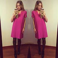 Короткое женское платье свободного покроя