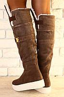 Модные ботфорты с отворотом, зима в песочном цвете