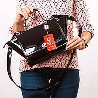 Молодежная лаковая сумка среднего размера