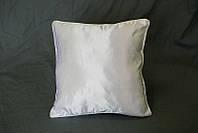 Подушка квадратная атласная с цветным кантом. Белая