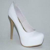 Туфли из натуральной кожи,  белые