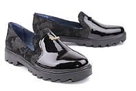 Кожаные женские туфли цвет питон + лак черный р