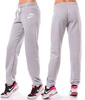 ТЕПЛЫЕ спортивные штаны женские Найк (Nike) зимние на флисе прямые светло серые Украина 220-02/1