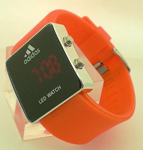Купить мужские наручные часы недорого в Москве в