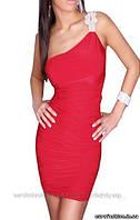 Ассиметричное платье на одно плечо, красное