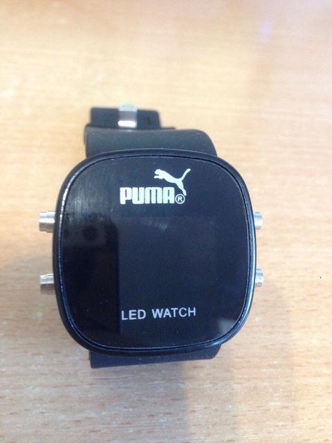 9e32d5f6 Кварцевые (электронные) часы ― это часы, в которых источником питания  механизма служит обычная или солнечная батарейка. Генератор подает  электрические ...