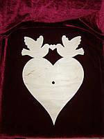 Заготовка под часы сердце с голубями